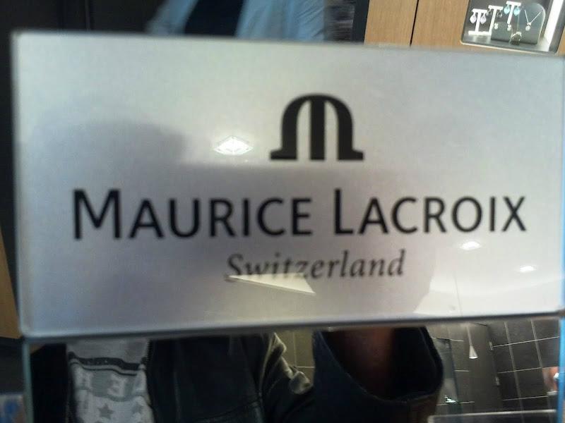 Maurice Hinzen is um durch e ringsje tse hoale