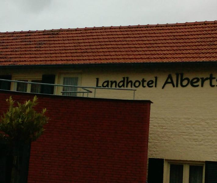 Ózze Albert hat nit alling e museum, evvel óch e jans landhotel